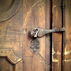 church-door-1927074_1920